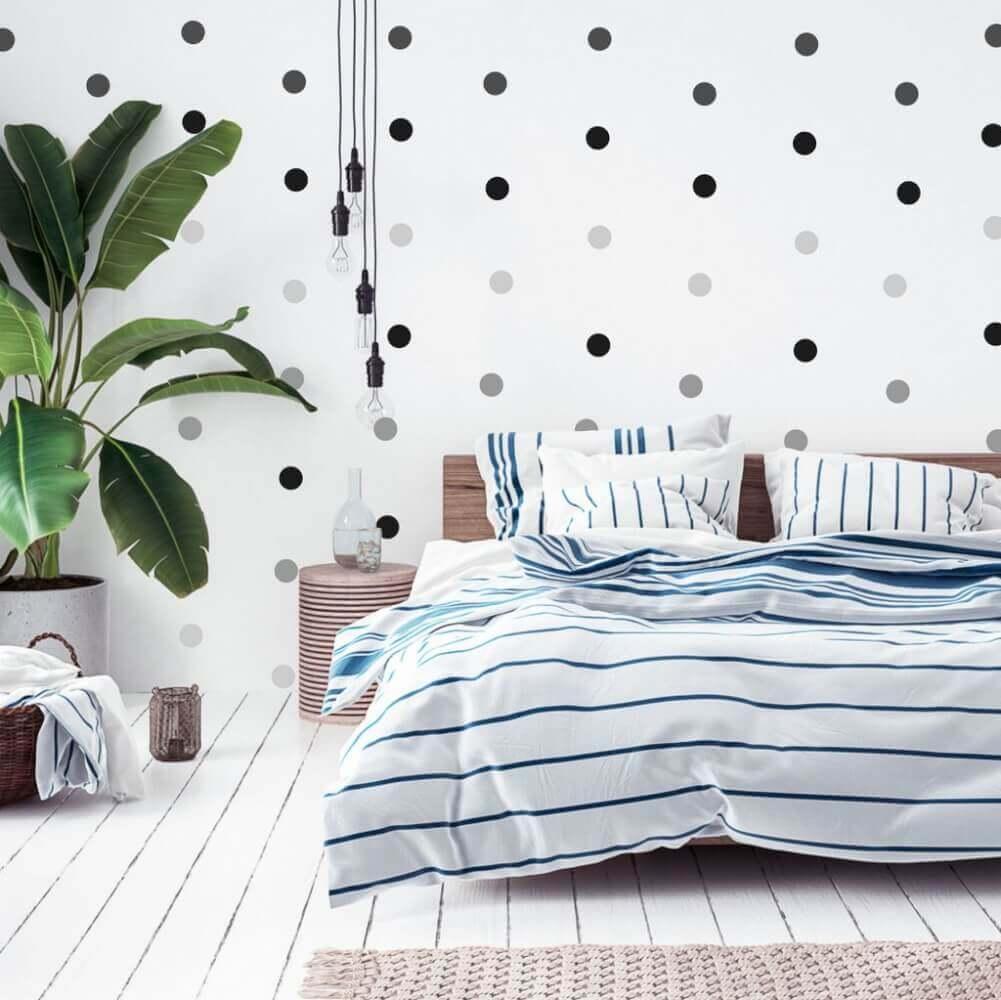 Schwarze Punkte An Der Wand Erganzen Jedes Zimmer Inspio